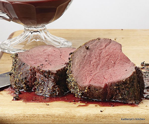 051114046-01-spice-rubbed-roast-beef-with-red-wine-sauce_xlg.jpg
