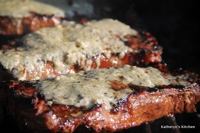Bleu Cheese Garlic Butter for Grilled Steaks
