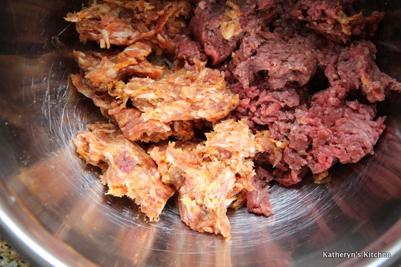 Extra Lean Ground Beef and Italian Sausage